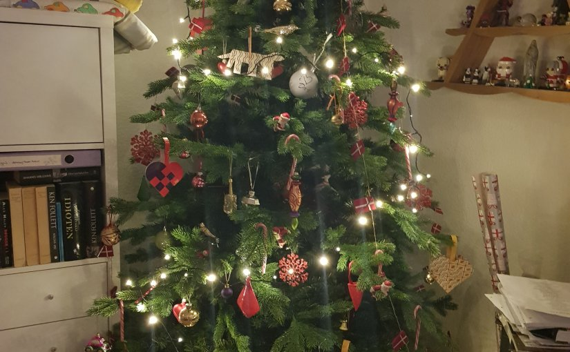 Christmas tree – to plastic or not.
